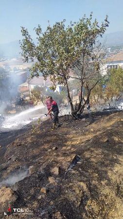 İtfaiye ekiplerinin anında müdahalesi alevlerin evlere ulaşmasını önledi