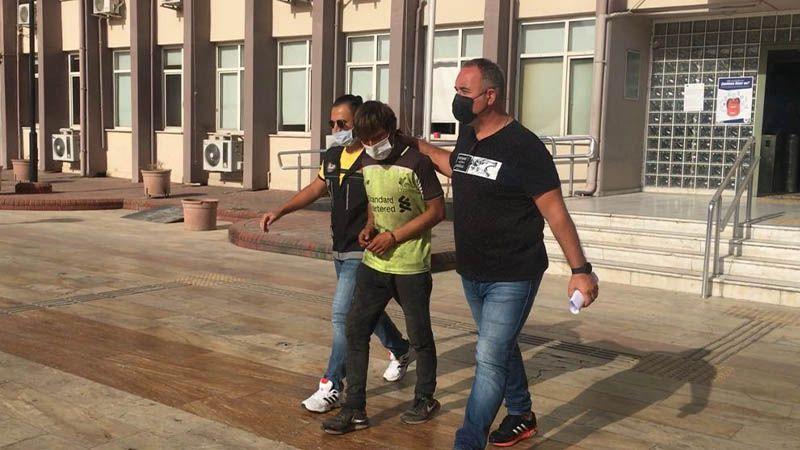 Yarım kilo uyuşturucu ile yakalanan şahıs gazetecilere ayakkabısını fırlattı