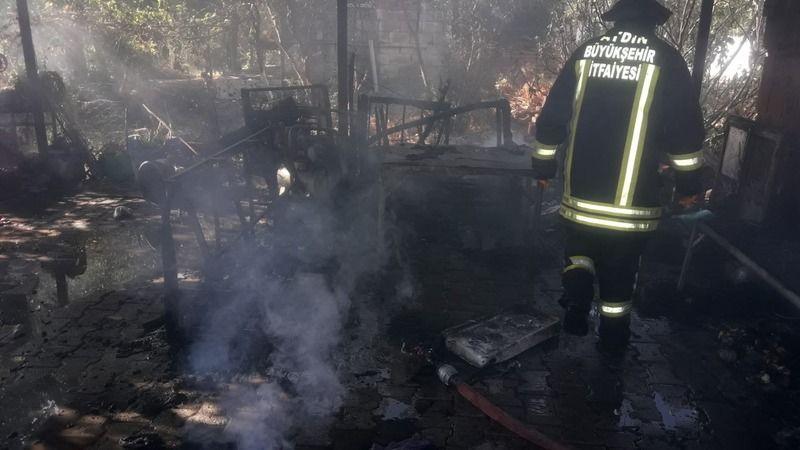 Söke'de çıkan yangında bir ev küle döndü