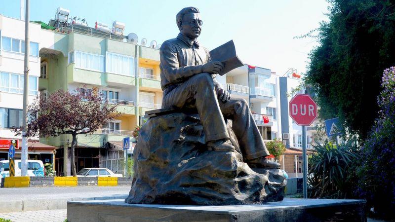 Türk Edebiyatı'nın usta kalemi Sabahattin Ali'nin ismi Kuşadası'nda yaşıyor
