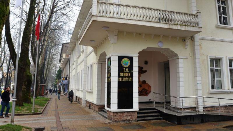 Hendek Belediyesi araçlarını satıyor