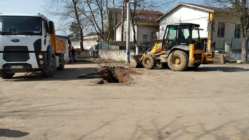 Kısıtlama günlerinde Büyükşehir ekipleri durmuyor