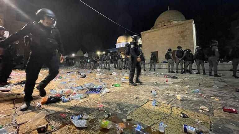İsrail'den Mescid-i Aksa'da saldırı