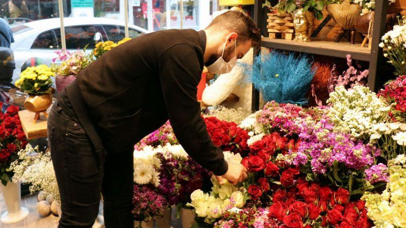 Çiçekçiler siparişe yetişemiyor