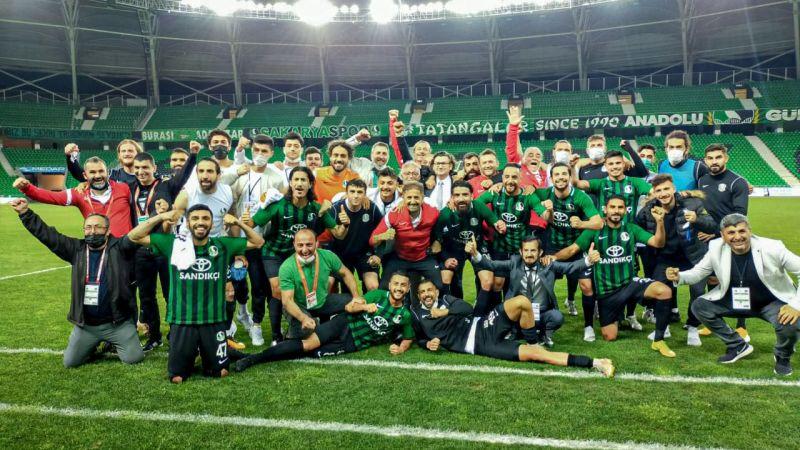 Sakaryaspor yarı finalde: Bayram devam ediyor