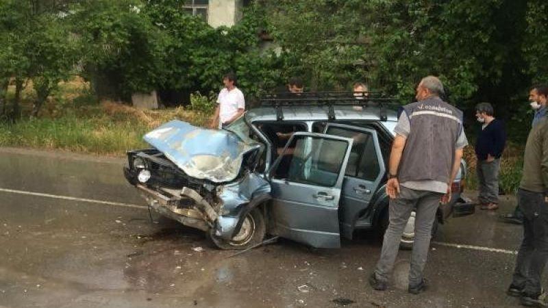 Göktepe'deki kazada sürücü araçta sıkıştı