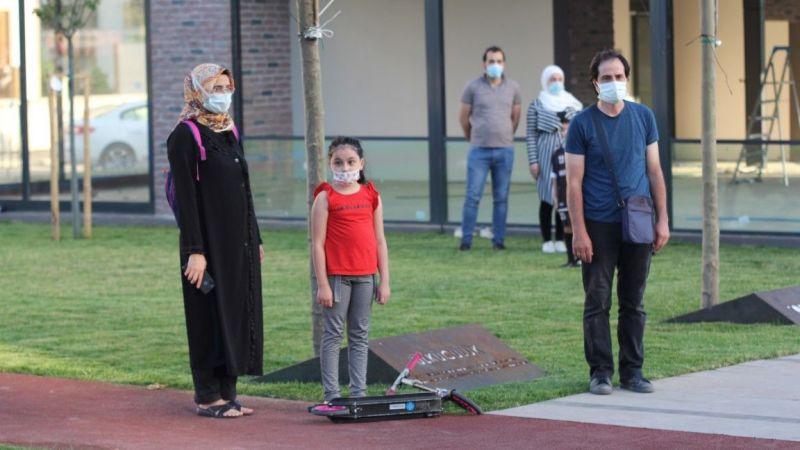 Hendek'te İstiklal Marşı coşkusu
