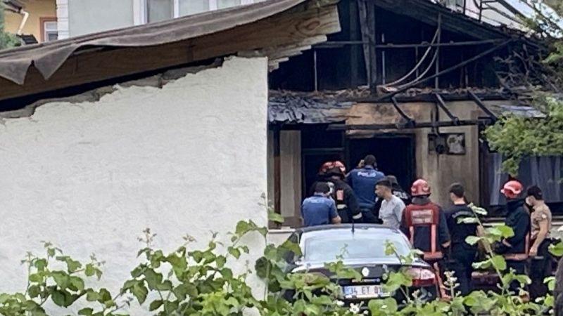 Karısının eşyaları yerine evini yaktı