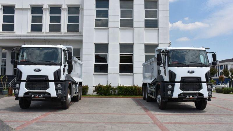 Erenler Belediyesi 2 kamyon aldı