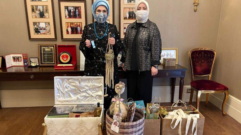 Kenevir ürünleri Emine Erdoğan'a hediye edildi