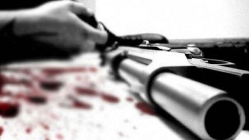 Başına silah dayayıp intihar etti