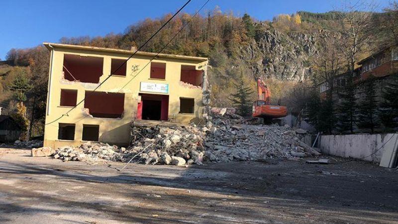 Yeşilyurt Okulu, AKP Hendek'te ortağı karıştırdı