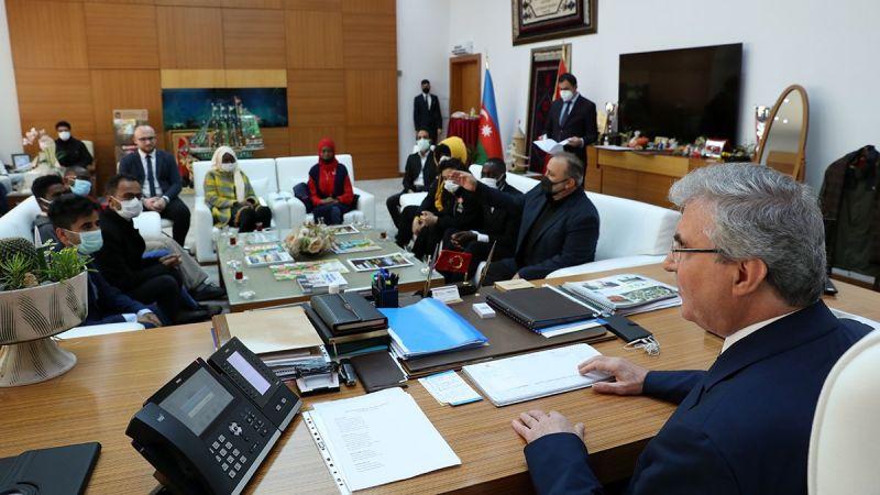 Başkan Yüce yabancı öğrencilerle buluştu