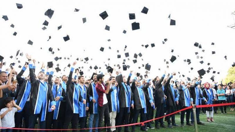 Rektör'den mezuniyet töreni açıklaması
