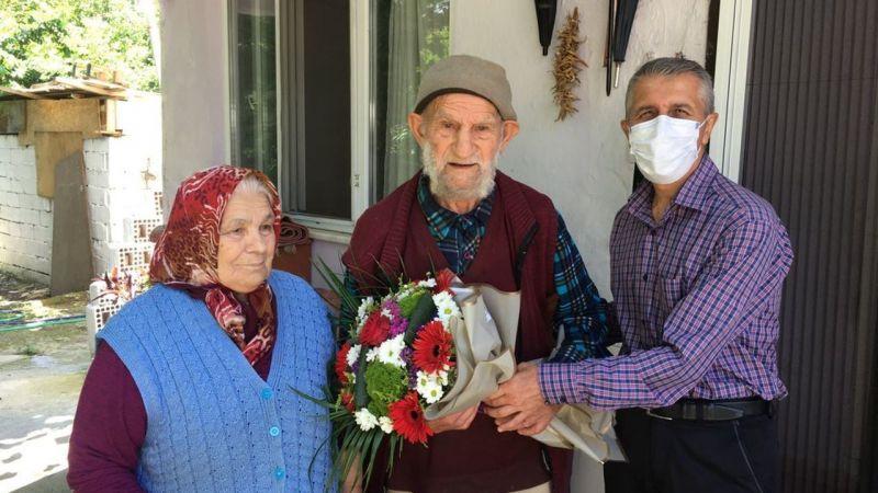 Babalar gününde Karasu'da anlamlı ziyaret
