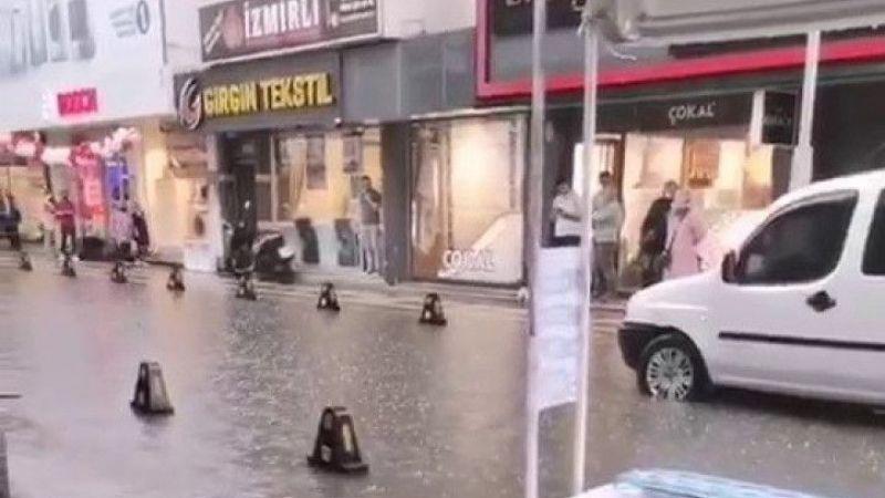 Cadde ve sokaklar göle döndü