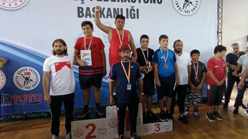 Hendekli güreşçilerden Antalya'da büyük başarı