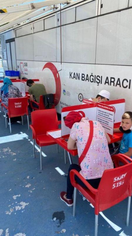 Akyazılı eğitimciler kan bağışında bulundu