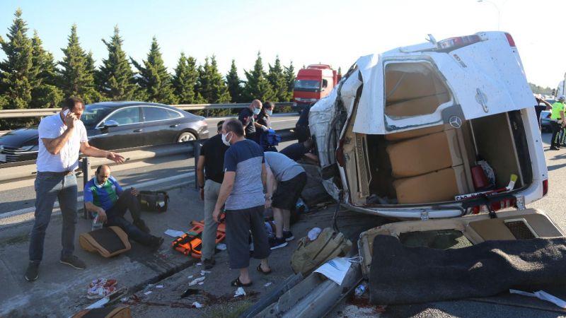 TEM'de büyük kaza: 9 yaralı
