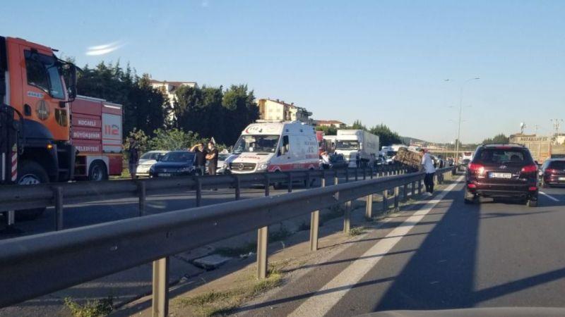 TEM'de trafik kitlendi: 9 yaralı