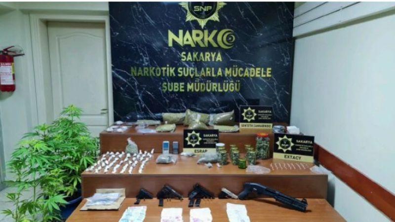 Narkotik suçlardan 10 kişi tutuklandı