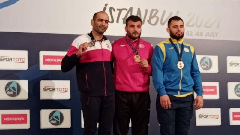 Akyazılı güreşçi dünya şampiyonu oldu