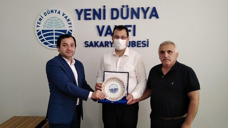 AKP'li Yavuz Yeni Dünya'daydı
