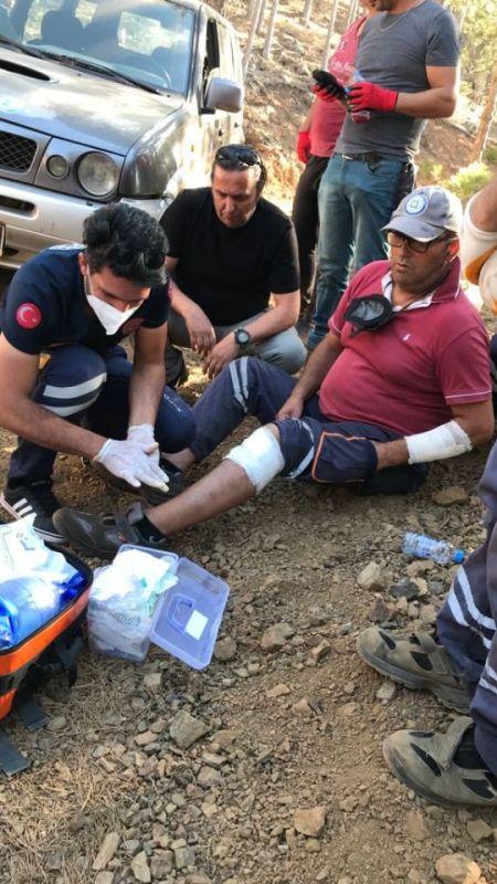 Sakarya 112 yangın yerinde yaraları sarıyor