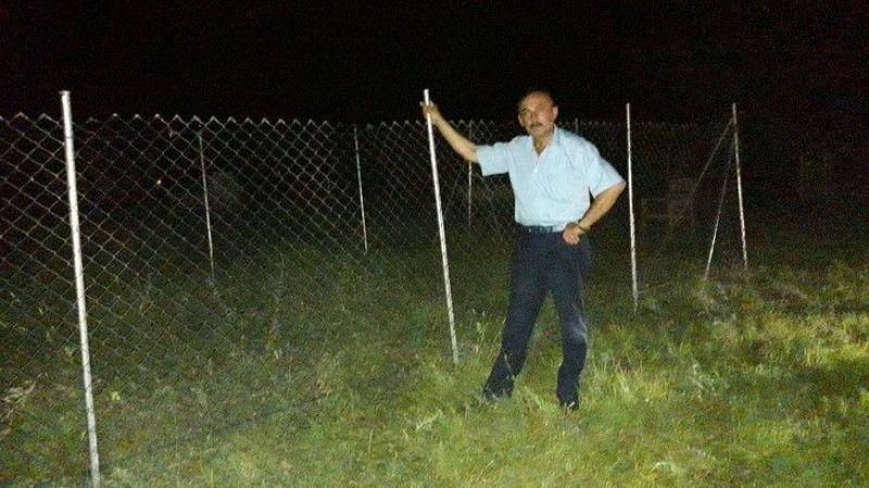 Beğendiği mezar yerini çitle çevirdi muhtar yıktırdı