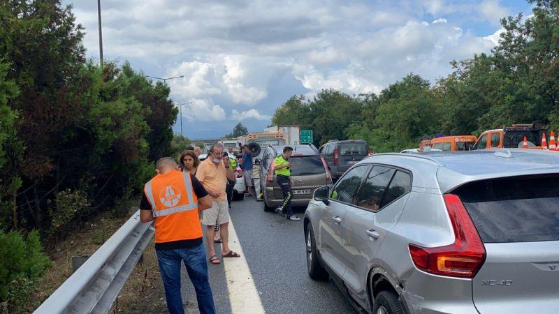 15 araç karıştı, 12 kişi yaralandı