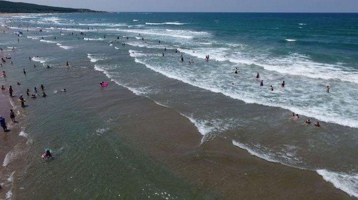 Kandıra sahillerinde bugün de denize girmek yasak