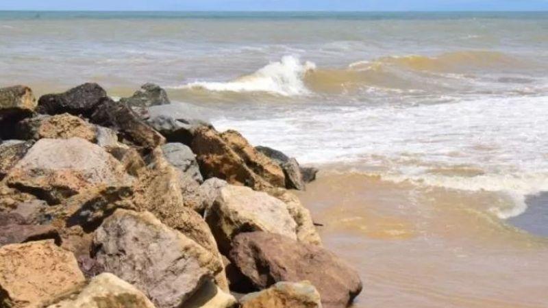 Sahillerde denizin rengi değişti