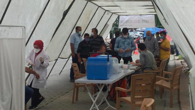 Kaynarcalılar aşı çadırına koştu