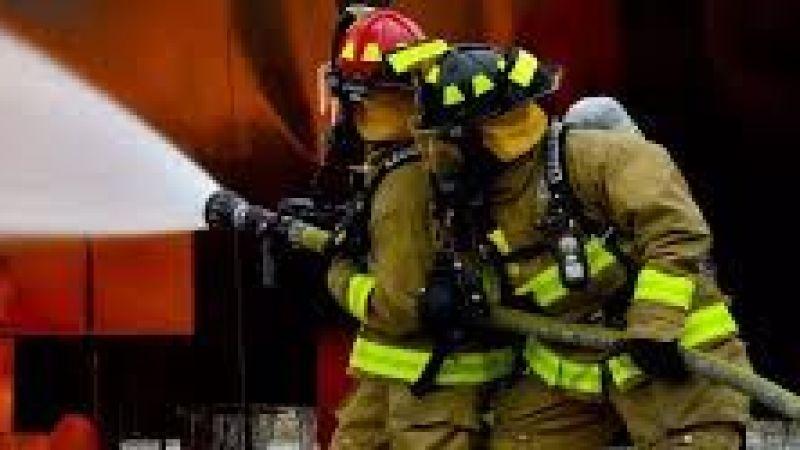 Ferizli'de iki katlı ev yandı