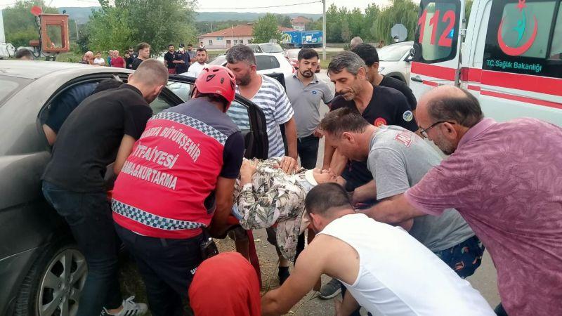 Karasu'da trafik kazası: 4 yaralı