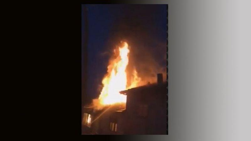 Bina yangınına ilk müdahale vatandaşlardan geldi