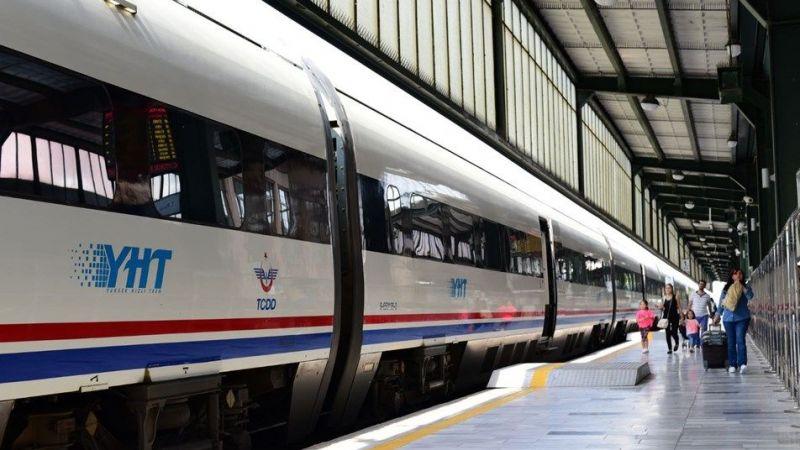 Trenle seyahatlerde aşı kartı veya test şartı