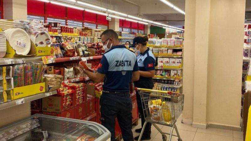 Karasu Zabıtası market raflarını tek tek geziyor