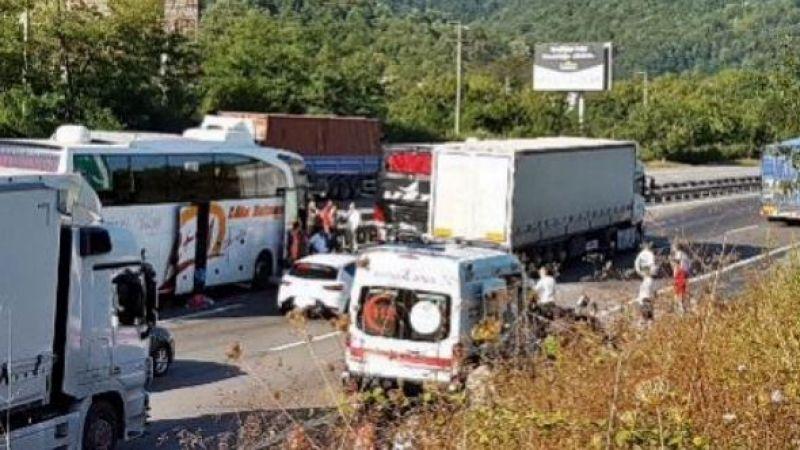 Sapanca TEM'de zincirleme kaza:10 yaralı
