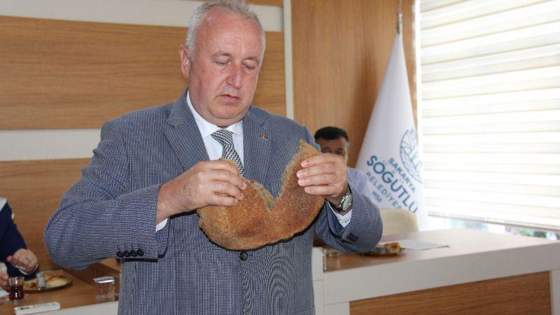 Siyez ekmeğini mecliste tanıttı