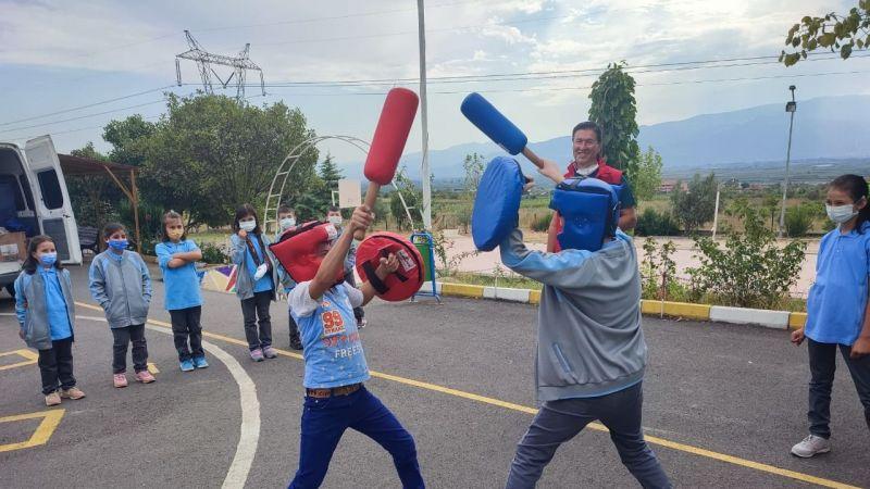 Gençlik merkezleri okulları gezdi