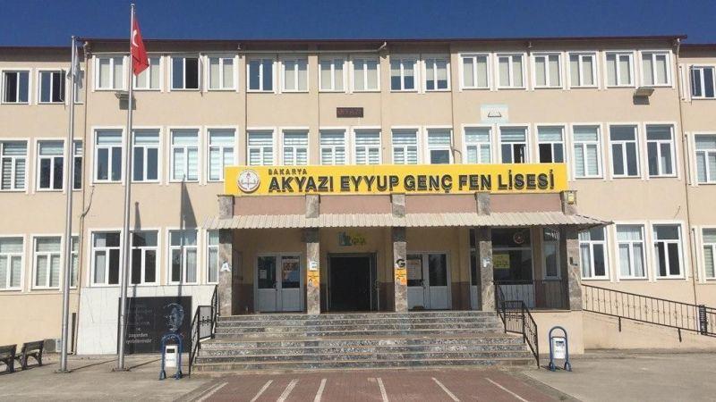 Sınıfları karantinada olan okulda veli isyanı