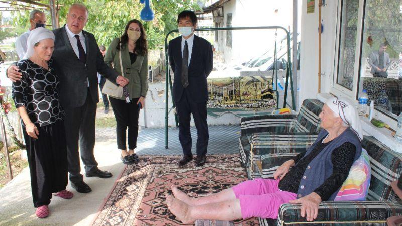 Japon diplomat Söğütlü'deydi