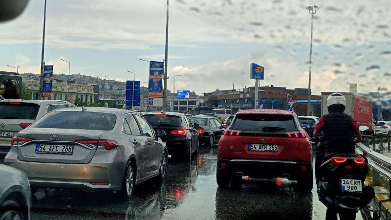Trafiğe yeni otomobil kayıt sayısı düştü