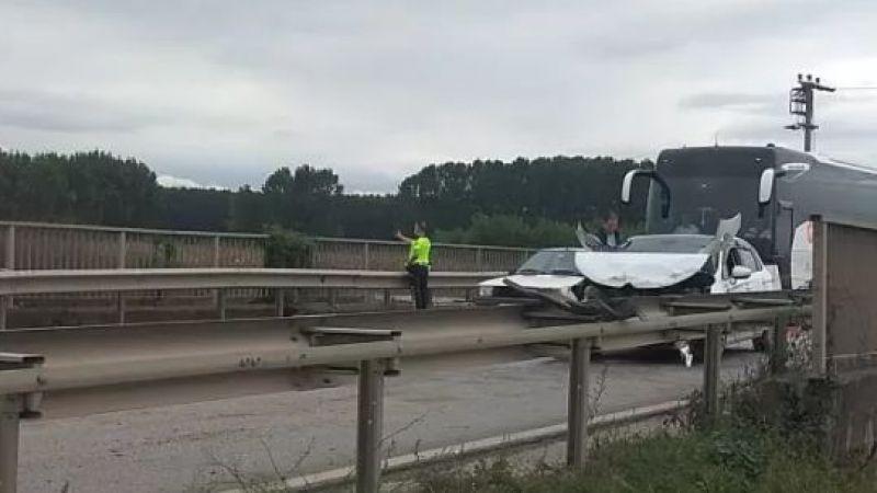 D-100'de üç araç kaza yaptı