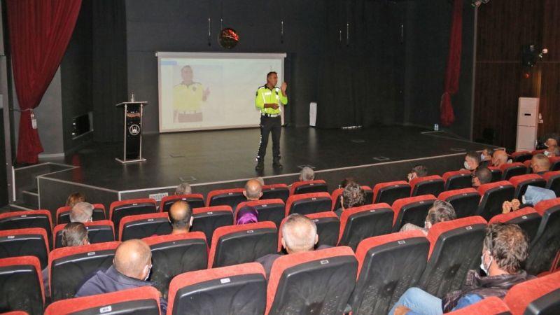 Servis şoför ve rehberlerine trafik eğitimi