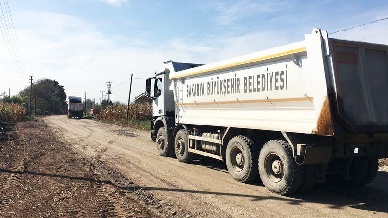 Bağlar'da okul yoluna asfalt