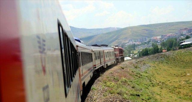 Tahran – Van Yolcu Treni Seferi Başladı