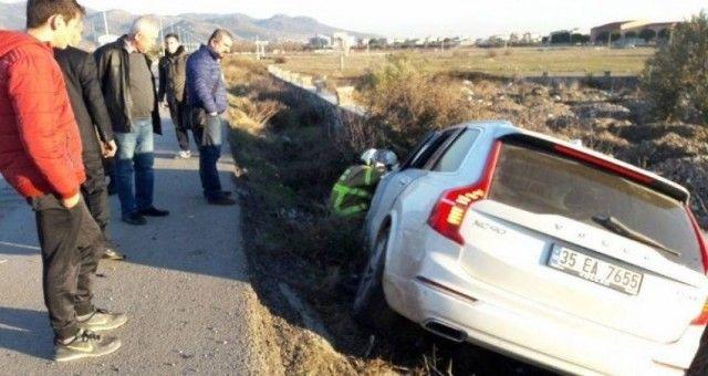Ayvalık'ta Trafik Kazasında 3 Kişi Yaralandı