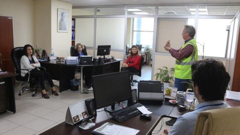 Edremit Belediyesi personeline Corona eğitimi